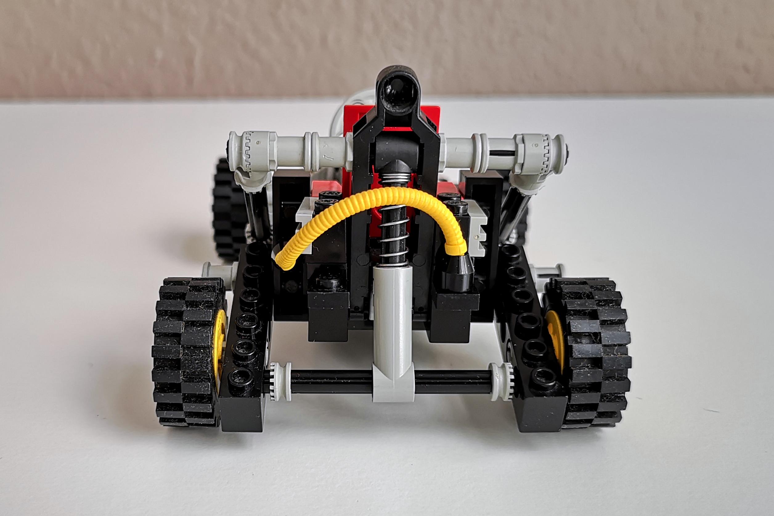 LEGO Set 8832 Modell A Rückseite mit Federung