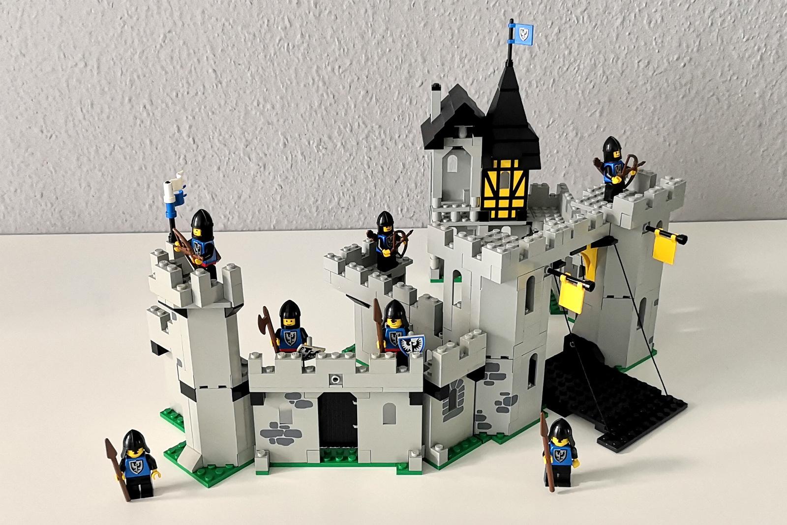 LEGO 6062 und 6074 modular verbunden DIY