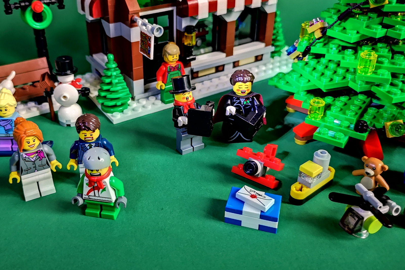 LEGO 10249 Review