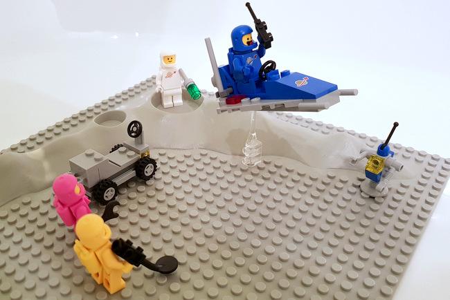 70841 LEGO Minifiguren Space blau weiß gelb rosa
