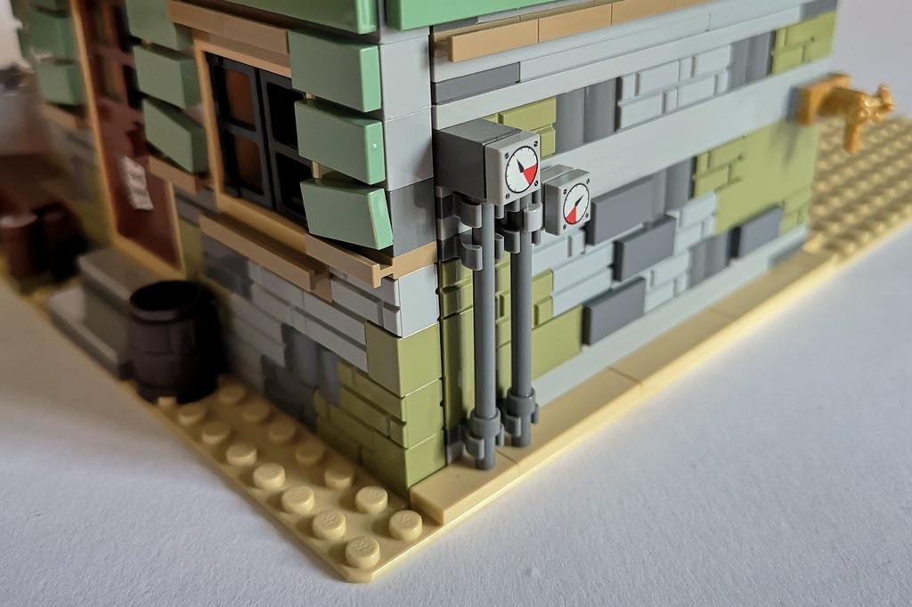 21310_lego_angelladen_rückseite_detail