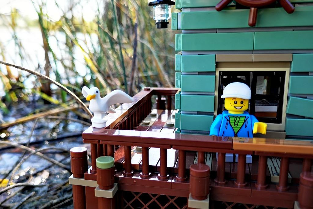 21310_lego_fishing_store_minifigur