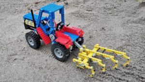8859-lego-technic-traktor-review