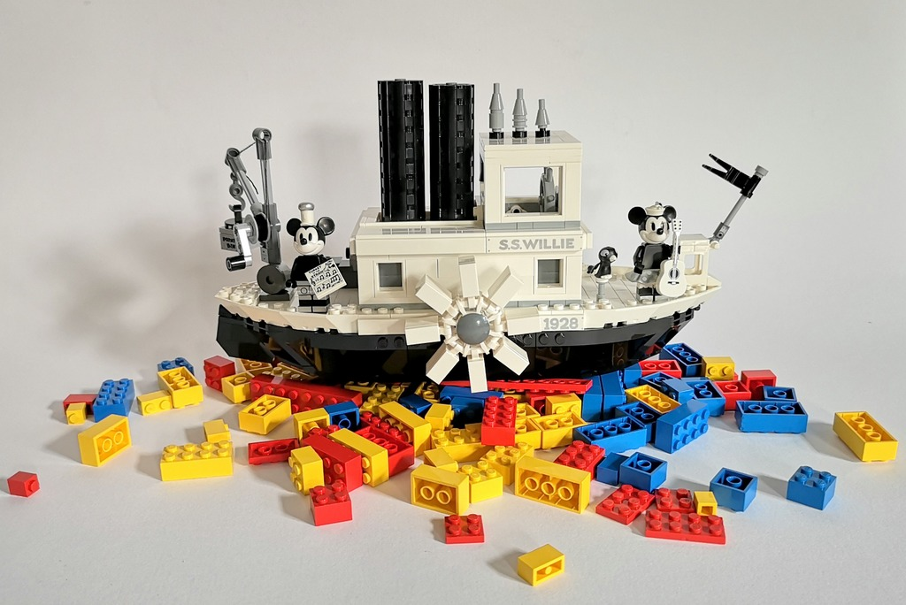 LEGO 21317 Review Steamboat Willie Bilder Aufbau