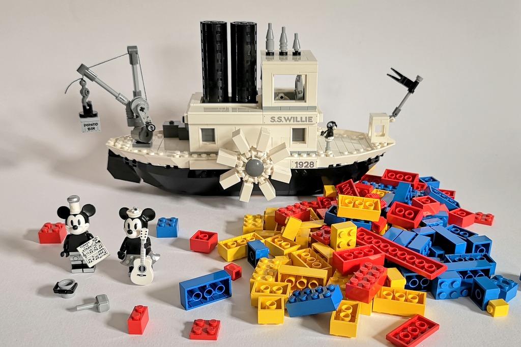 LEGO 21317 Steamboat Willie Review Bilder