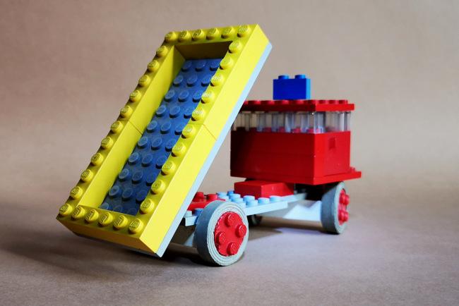 LEGO 331 Dump Truck Ladefläche gekippt
