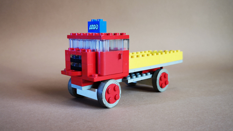 LEGO 331 Kipper Dump Truck Review