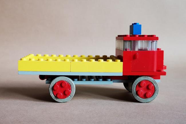 LEGO 331 Kipper Seitenansicht