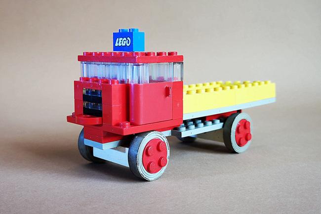 LEGO 331 Kipper von vorn