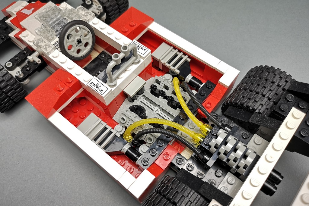 LEGO 5540 Model Team Racer Motorraum Detail