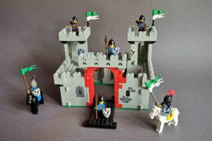 LEGO 6073 Burg Frontansicht