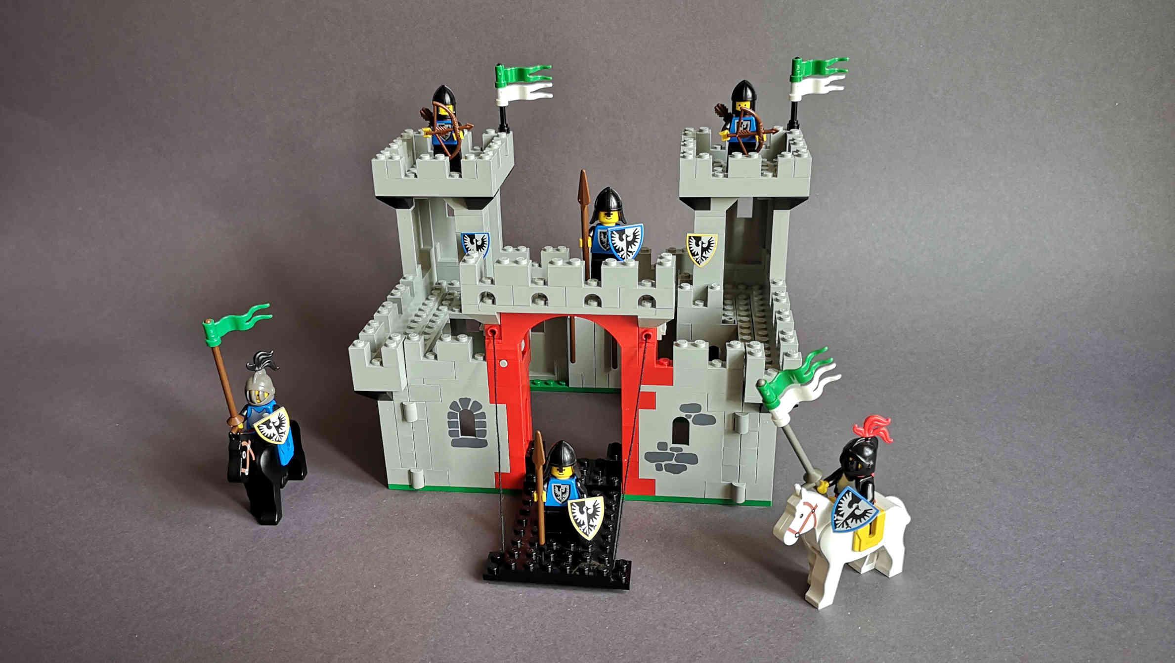 In dieser LEGO Review zeigen wir das Burg-Set mit der Nummer 6073 von 1984