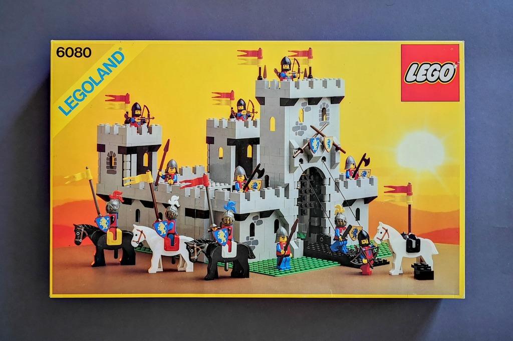 LEGO 6080 Burg Box Frontansicht