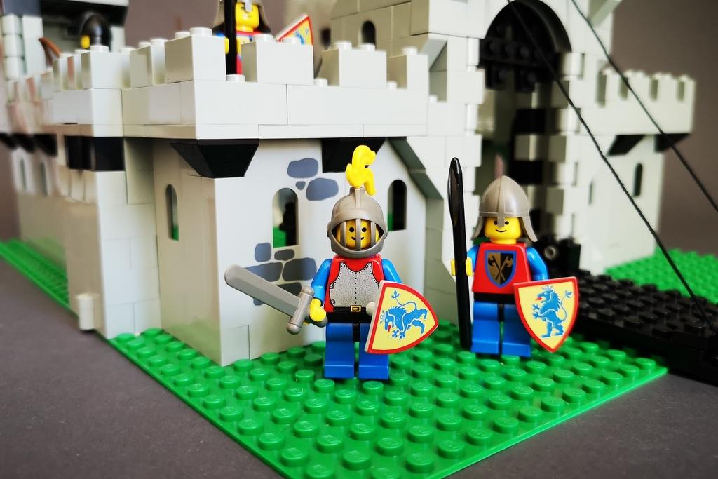 LEGO 6080 Burg Löwenritter 1984 Ritter Figur