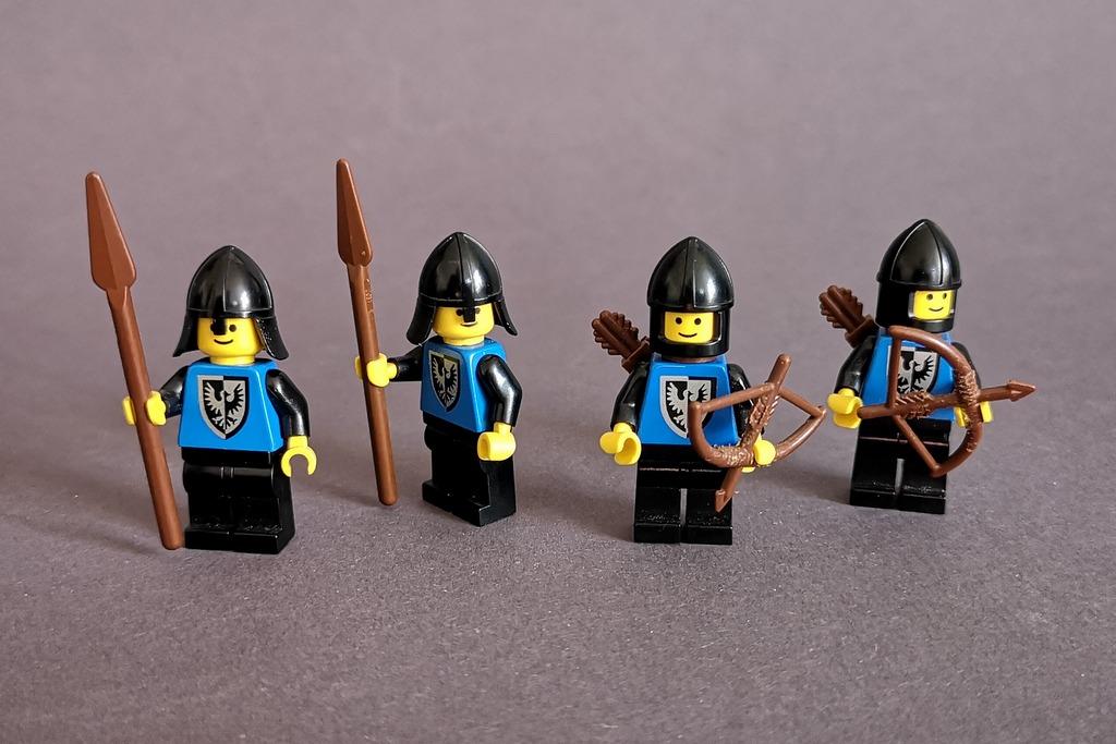 falkenritter-lego-minifiguren
