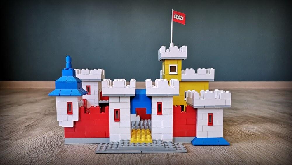 lego-001-weetabix-castle