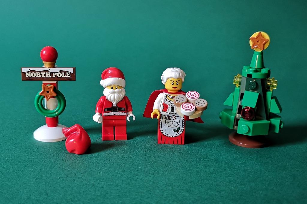 lego-10245-minifiguren-weihnachtsmann-weihnachtsfrau