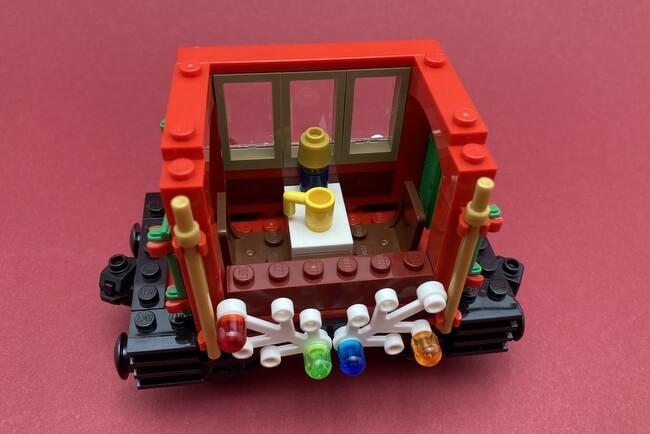 lego-10254-passagier-wagen-innen
