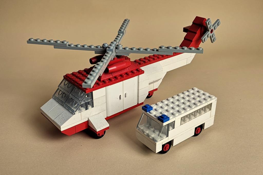 lego-386-hubschrauber-krankenwagen
