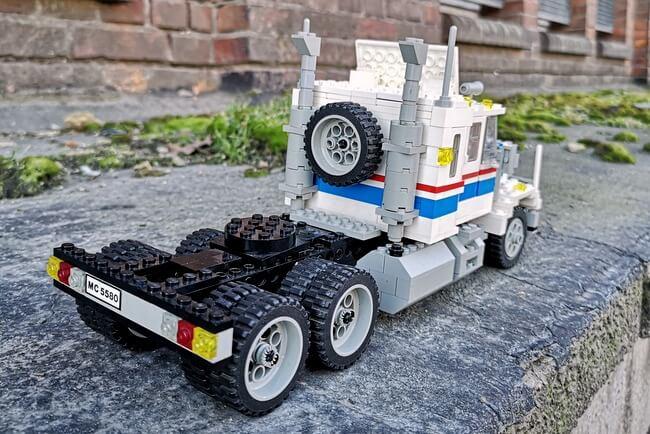 lego-5580-back