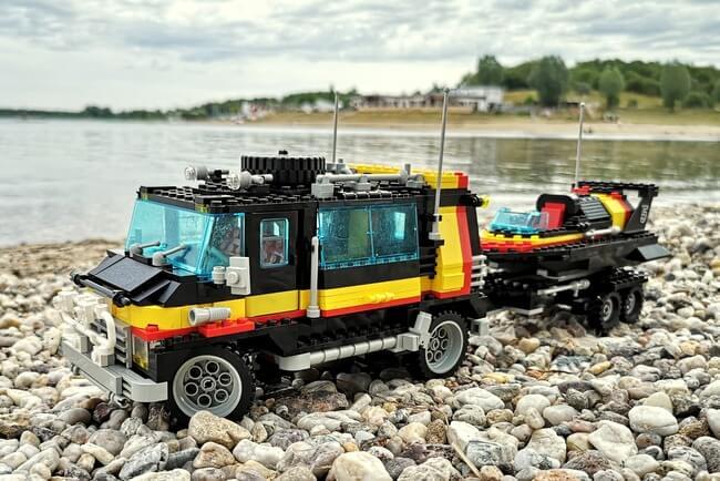 lego-5581-van-mit-rennboot