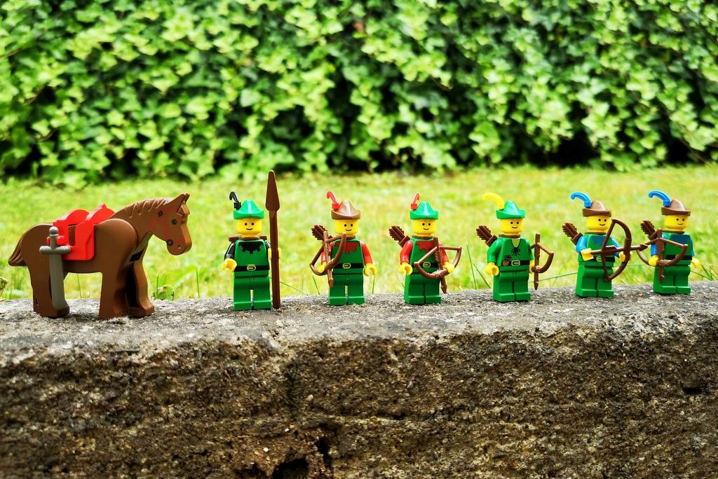 lego-6066-minifiguren