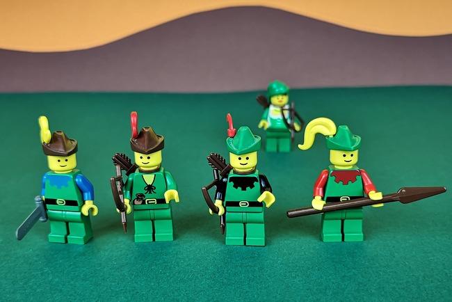 lego-6071-minifiguren-forestmen