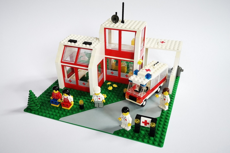 lego-6380-krankenhaus