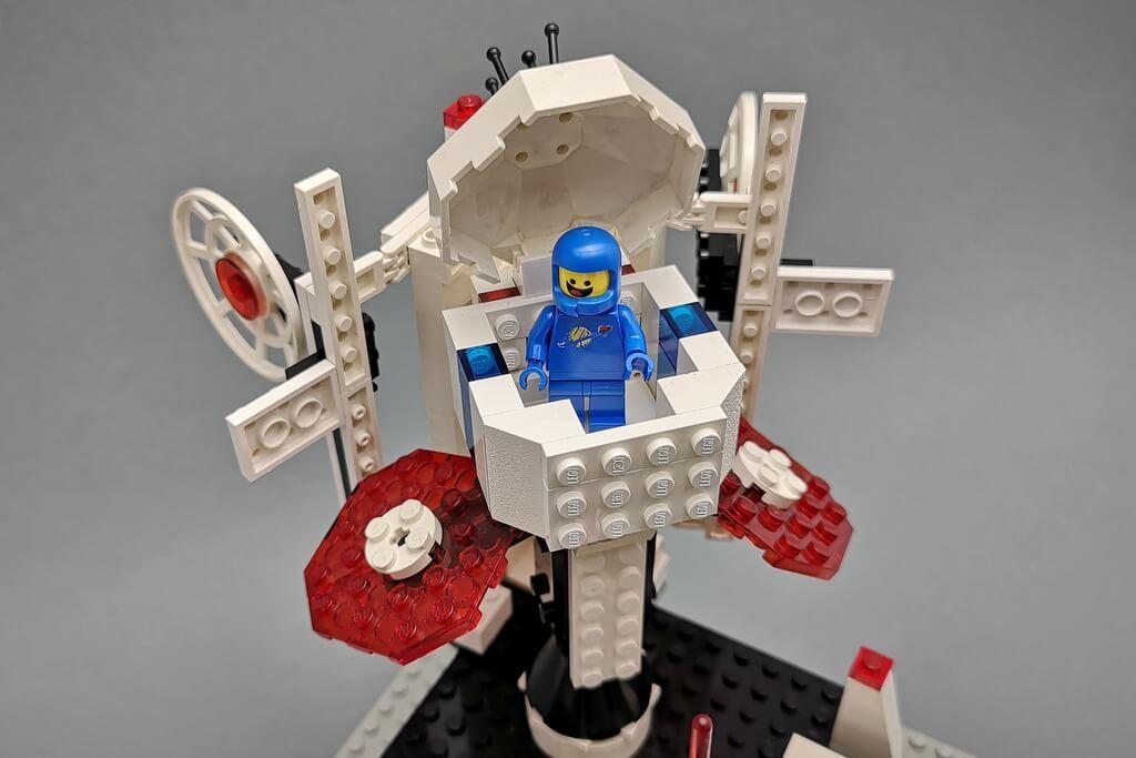 lego-6972-satellit