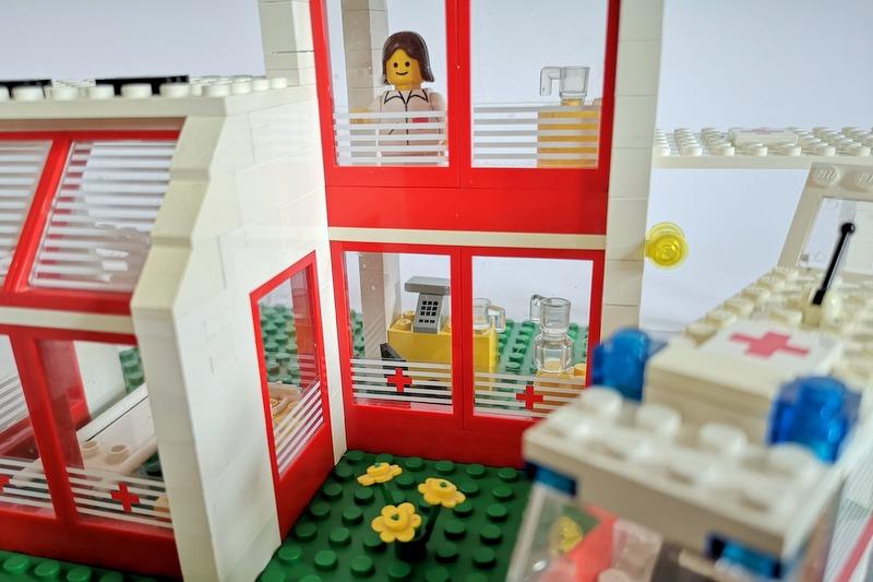 lego-arzt-minifigur