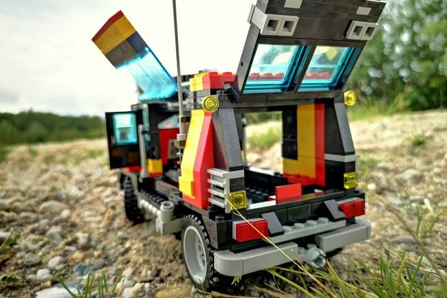 lego-camping-van