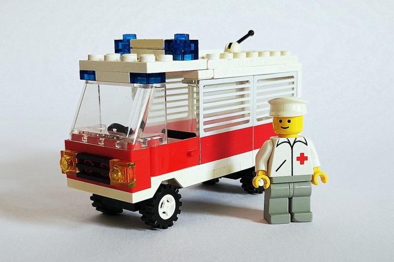 lego-krankenwagen-1987