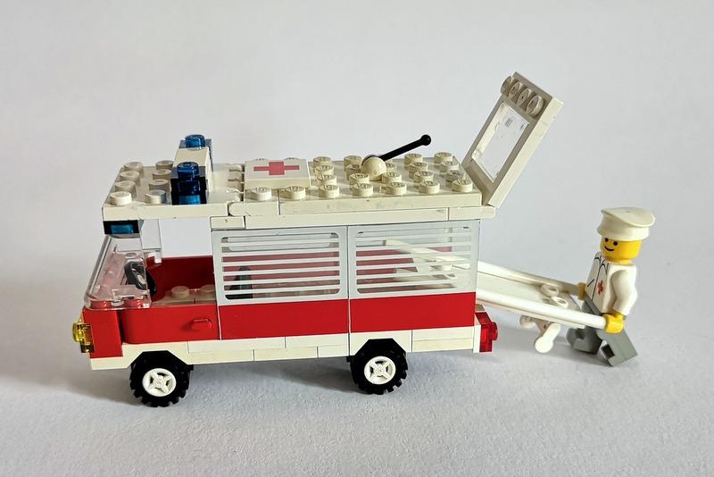 lego-krankenwagen-80er-jahre
