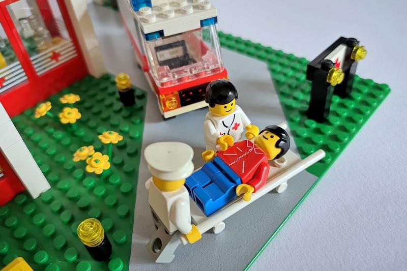 lego-arzt-spiel-szene