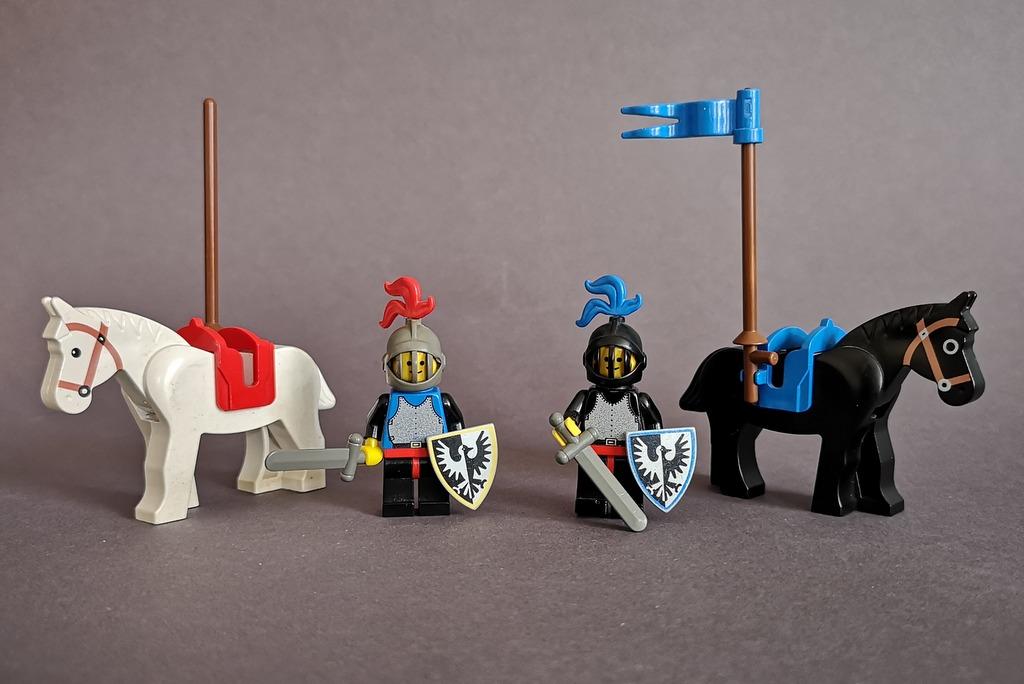 lego-ritter-mit-pferden