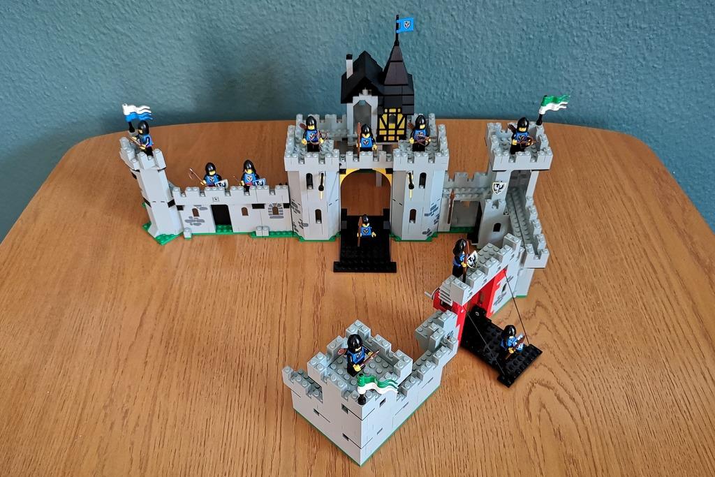 lego-sets-6062-6073-6074-auf-einem-bild