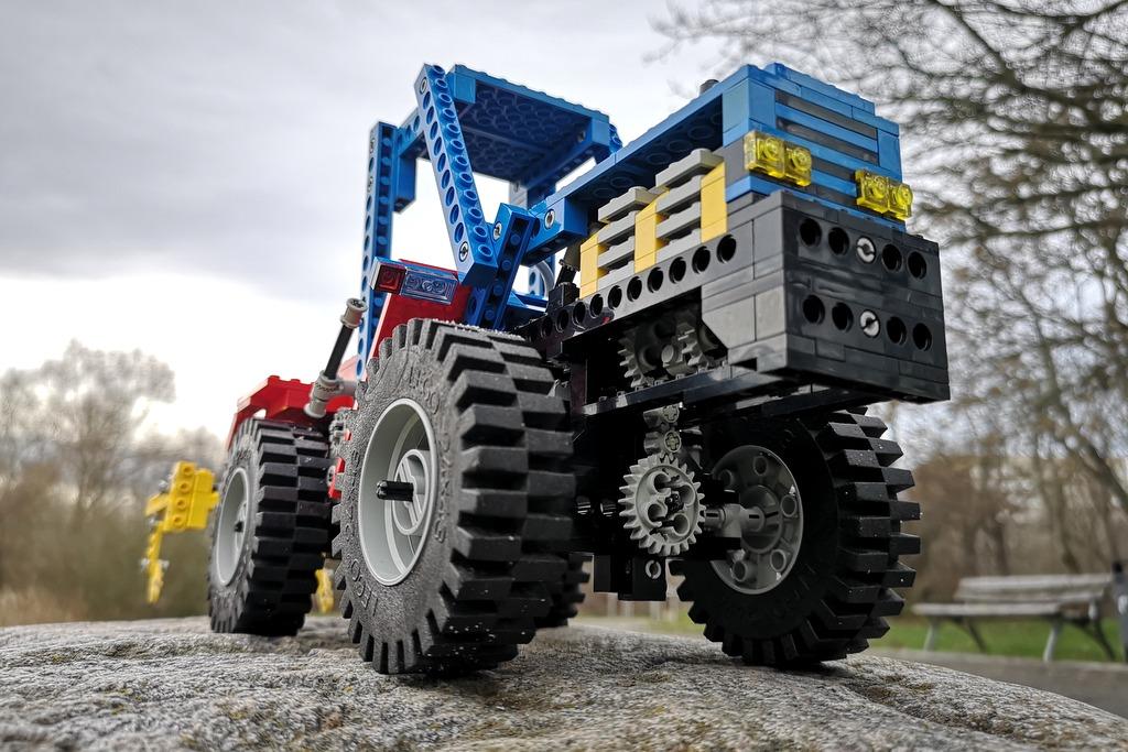 lego-technic-8859-ansicht-vorn-unten
