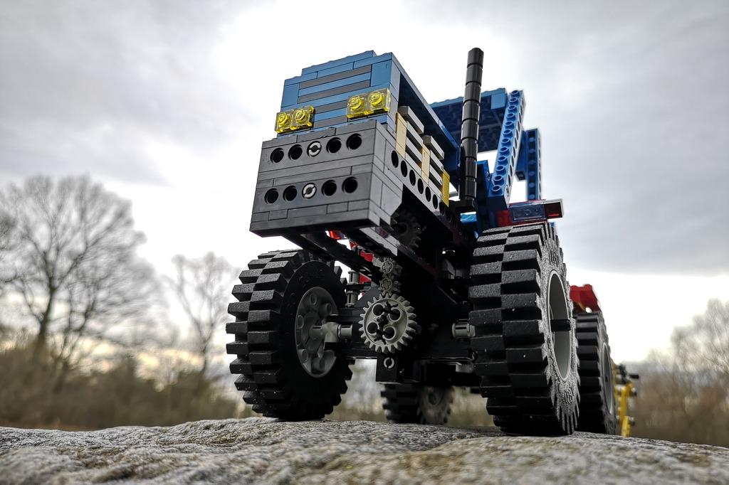 lego-technic-8859-von-unten