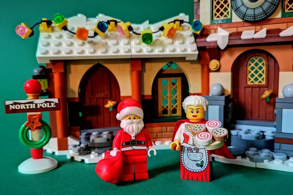 lego-weihnachtsmann-und-weihnachtsfrau