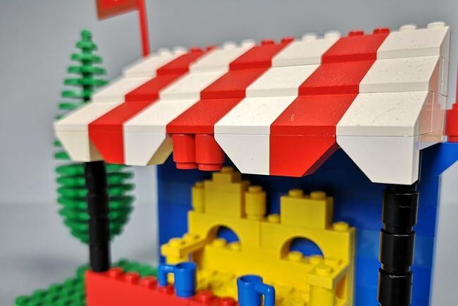 stoff-dach-aus-lego-steinen
